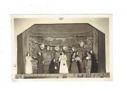 Photographie Ancienne - Intérieur Théâtre Salle De Spectacle - Actrices - éventail Femme élégante Robe - Rideau Décor - Théatre & Déguisements