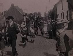 Huissignies Fête Patriotique Du 12 Septembre 1920  La Belgique Groupe De 3 Jeunes Filles - Chièvres