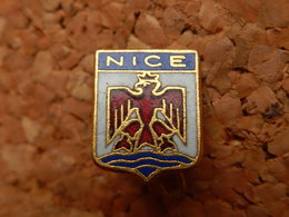 Broche - BLASON  DE NICE - Villes