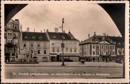 ! 1944 Ansichtskarte Wiener Neustadt Adolf Hitler Platz, Mariensäule, Rathaus, Feldpost N. Berlin Kladow - Wiener Neustadt