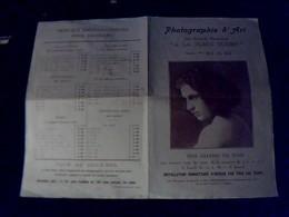 Publicitee Photographie D Art  Des Magasins A  La Place  Clichy   Salons De Pause Portraitd Art... - Publicités