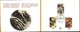 72494)  Transkei 1977 FDC Scuola Per Non Vedenti TIMBRO SET Sulla Cartella Carta Primo Giorno- - Transkei