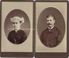 2 CDV Couple-femme Avec Coiffe-photo Henri Galais Rue Du Coin à Cholet - Personalità