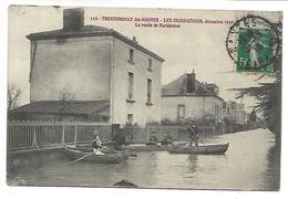 TRENTEMOULT LES NANTES - Les Inondations Décembre 1910 - La Route De Norkhouse - Francia