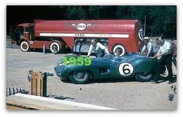 RARE PHOTO.......... CAMION PANHARD ESSO (COMME LE DINKY TOYS) + ASTON, 1959 . - Automobili