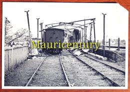 Photo ,  ILE MAURICE , MAURITIUS , Curepipe , TRAIN ,  Cyclone  Carol  1960 . - Places
