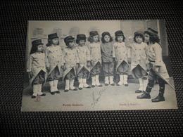 Enfants ( 2061 )  Kinderen  Enfant  Kind  Petits Soldats  Soldat  Soldaat  Soldaten - Jeux Et Jouets