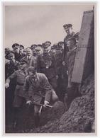 DT- Reich (002147) Propaganda Sammelbild Deutschland Erwacht Bild 164, Der Erste Spatenstich Zum Beginn Des Baues - Briefe U. Dokumente