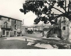 30 // CONGENIES    La Place,   CPSM Grand Format   Edit SL 2772 - France