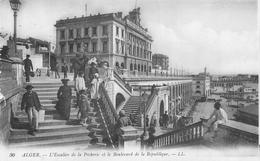 ALGERIE 146 CPA  ALGER  L'escalier De La Pecherie Et Boulevard De La République  Belle Carte - Alger