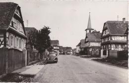 Br - Cpsm Petit Format OBERSEEBACH - Rue Des Messieurs - Eglise Protestante - Sonstige Gemeinden