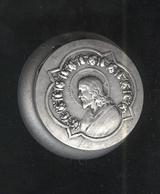 Boite Aluminium Avec Charnière - Christ - Boite Idem Sucre Edulcor - Diamètre 33 Mm épaisseur 15 Mm - Boîtes