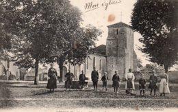 Péault : Place De L'église - France