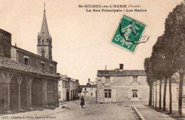 St Michel En L'Herm : La Rue Principale, Les Halles - Saint Michel En L'Herm