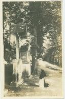 Valkenburg 1930; De Drie Beeldjes (met Knielende Non Of Monnik) - Gelopen. (Roukes & Erhart - Baarn) - Valkenburg