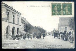 Cpa Du 37 Benais Place De La Mairie   SEPT18-24 - Altri Comuni