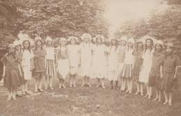 BLUMENMÄDCHEN Gruppenfoto, Junge Mädchen Mit Blumenkopfschmuck - Fotokarte 190? - Frauen