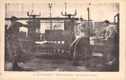 INDUSTRIE - 71 LE CREUSOT - USINES SCHNEIDER N° 19 : Lamineur Au Travail - CPA - Usine - Industrie