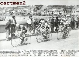 TOUR DE FRANCE 1960 3e ETAPE DUNKERQUE DIEPPE VIOT GROUSSARD CAZALA DEFILIPPIS CYCLISME CYCLISTE VELO - Sports