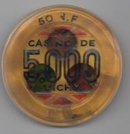 Jeton De Casino De Vichy 5000F=50NF (Fortement Déformé - Détérioration âgée ?) - Casino