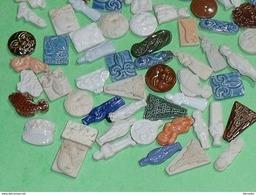 A SAISIR / Lot De 98 Fèves :  Porcelaine De Limoges ( Ranque Du Congé )  Superbe ( Soit 0.20 Cts Piece ) - Anciennes
