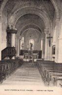 St Pierre Le Vieux : Intérieur De L'église - France