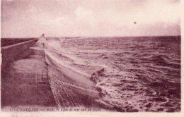 L'Aiguillon Sur Mer : Effet De Mer Sur La Digue - Autres Communes