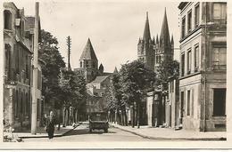 14    Caen           Abbaye Aux Hommes    Vue De La Place St-martin - Caen