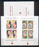Gabon 1967 Red Cross Booklet Wilt 2 Panes MUH - Gabon
