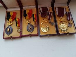 Lot 4 Médailles Militaires/du Travail Belges - Première Classe / Travail Et Progrès - Belgique - Belgique