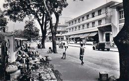 1 AK Elfenbeinküste Côte D'Ivoire * Abidjan - Boulevard Antonetti, Hôtel Du Parc * HOA-QUI Card * Ca. 50iger Jahre * - Elfenbeinküste