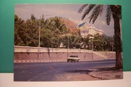 DJIBOUTI -  PALAIS  PRESIDENTIEL   - ( Pas De Reflet Sur L'original ) - Djibouti