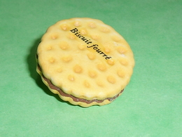 """Fèves / Autres / Divers / Alimentation : Biscuit Fourré   """" Mat """"   TB113L - Fèves"""