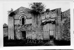TRÈS RARE Tirage Photographique Ancien Et Original De La Façade Du PRIEURÉ D'AVAILLES Commune De NOUAILLÉ (VIENNE) 86 - Luoghi