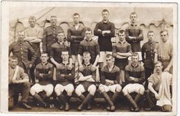 UNIDENTIFIED CWW1 ARMY FOOTBALL TEAM - REAL PHOTO POSTCARD - MILITARY (ref 3429/16) - Football