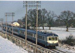 """Neuville-sur-Sarthe Train Liaison Caen-Tours Autorail EAD X 4900 Les """"Caravelles"""" - France"""