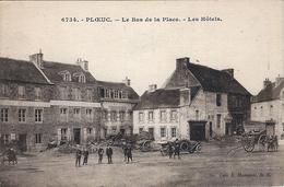 Ploeuc -sur- Lié- Le Bas De La Place- Les Hôtels.(attelages Et Hôtel-café). - France