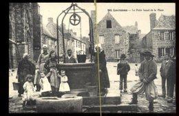 Locroman: Le Puits Banal De La Place - Locronan