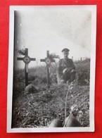 Photo 80 SOMME Bois De Hem Soldat US, Canadien Tombes, Casques - War, Military