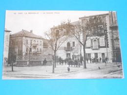 """11 ) Port La Nouvelle - N° 32 - La Grande Place  """" Grand Café FORGES """" -  Année   -  EDIT - Aux Dames De France - Port La Nouvelle"""