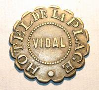 """Jeton Monnaie De Nécessité 1e Type """"Hôtel De La Plage / Vidal"""" Marseille (plage Du Prado) - French Emergency Token - Monetary / Of Necessity"""
