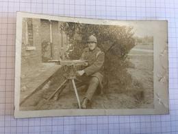 18Z - Photo Carte Militaire Belge Mitrailleur Et Mitrailleuse (abimée) - Oorlog, Militair