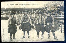 Cpa De Bretagne Scène De Noce En Bretagne -- La Gavotte Des Vieux Bragous Braz    SEPT18-26 - Bretagne