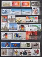 O NSZK Sok Száz Képes Bélyeg 12 Lapos A/4 Berakóban - Stamps