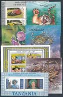 ** Tanzánia 13 Blokk,  A/4 Berakólap 2 Oldalán - Stamps