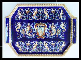 GIEN Plateau Rectangulaire Pans à Décors De Lambrequins Anges Style Renaissance - Gien (FRA)