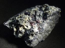 Proustite With Xanthoconite & Wired Silver On Acanthite Matrix( 3 X 2 X 1.5 Cm ) - Imiter Mine Ouarzazate Prov. Morocco - Minéraux