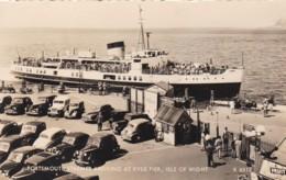 PORTSMOUTH STEAMER AT RYDE PIER, IO.W. - Ferries