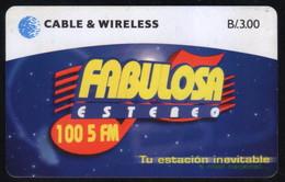 PAN-54 PANAMA PHONECARD C & W FM RADIOS OF PANAMA 2 CHIP SC7 USED B/3.00 - Panama