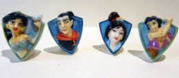 PROMO - Fèves Brillantes - Badges Disney - Jasmine Et Aladdin, Mulan Et Gal Chang - Disney